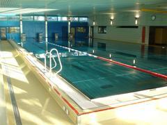 schwimmhalle Krauer.jpg